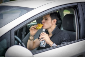 EatingAndDriving-WhicombInsuranceAgency